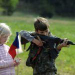 Senat Republiki Czeskiej uchwalił zmianę ustawy konstytucyjnej Karta Podstawowych Praw i Wolności, która gwarantuje prawo do obrony i posiadania broni palnej